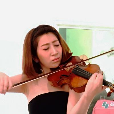 "Mayu Kishima performing on the ""Petri"" Stradivari violin of 1700"