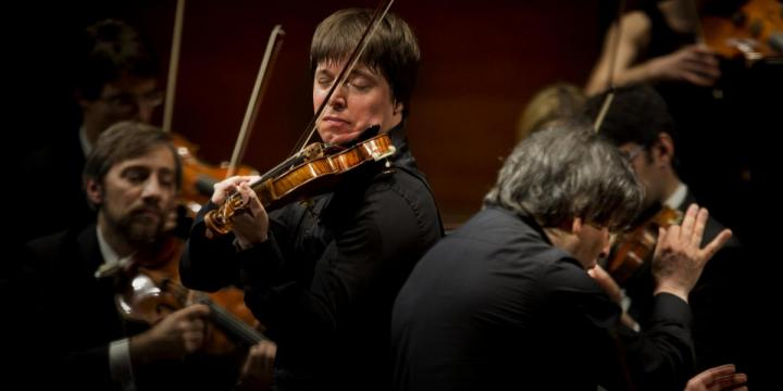 Joshua Bell performing a concert on a Guarneri del Gesu violin on loan from Rare Violins of New York